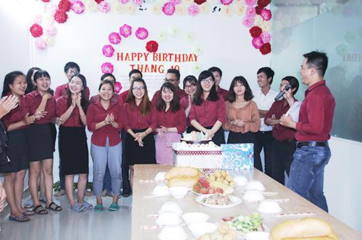 BIN Holdings employees born in Oct