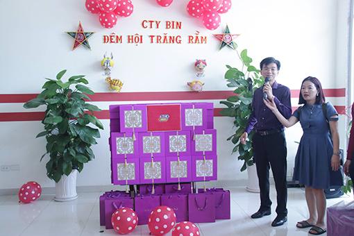 Bin Holdings_Mid Autumn Fes preparing