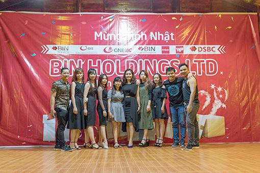 BinHoldings-Trip 2017-Performances on stage