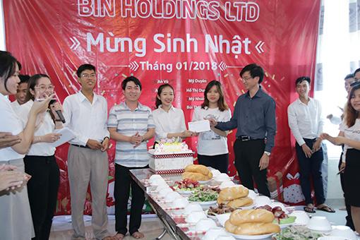 BIN Holdings-Đội thắng cuộc nhận giải