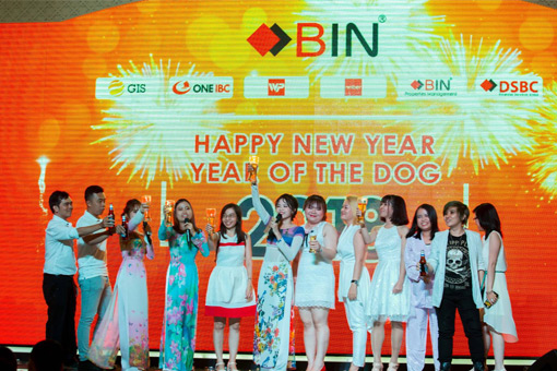 BIN Holdings-New year party-Visa-Singing