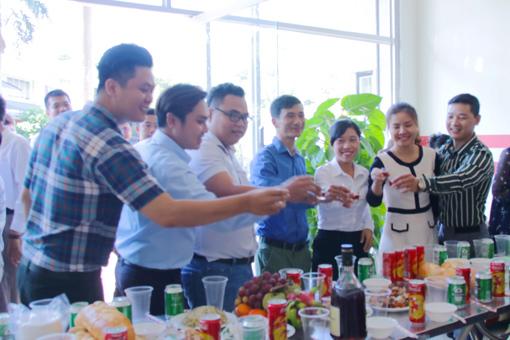 BIN Holdings-Reopening 2018-Cheer