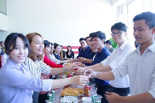 BIN Holdings-Reopening 2018-Drink wine
