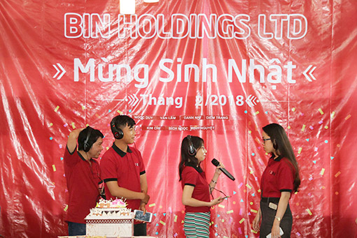 BIN Holdings-Birthday party-Play game-2